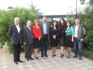 Membrii ai cenaclului AntePortas și prozatorul Dumitru Dănăilă